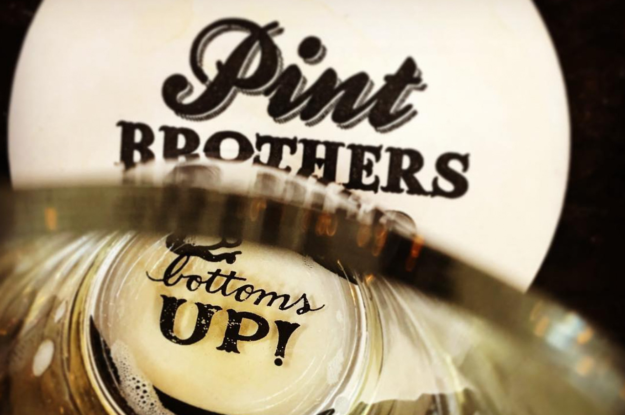 3d.pint-brothers-alehouse-restaurant-design-branding-coaster-glass
